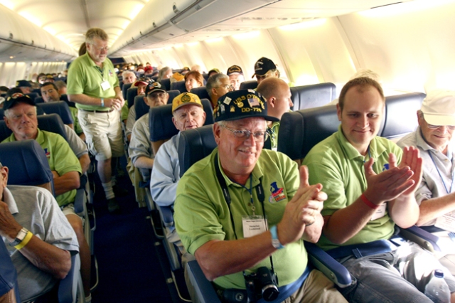 au26honorflight2.jpg