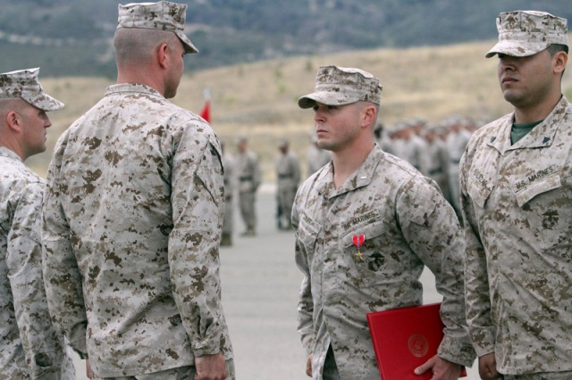Marines decorated for heroic actions in Afghanistan